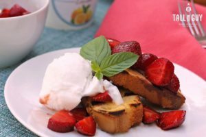 Strawberries with Grilled Pound Cake
